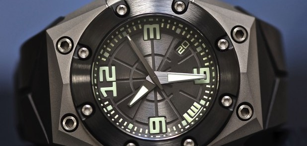 Linde Werdelin create a wholly unique timepiece commemorative of Frogman Corps Oktopus Diver