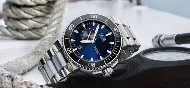 Oris - Aquis Small Second Date Blue Dial With A Small Second Sub-Dial