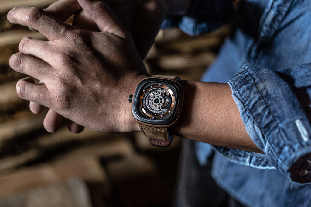 "Detailed Review With The SEVENFRIDAY P2 ""WOODY"" And M1 UAEE Men's Watches"
